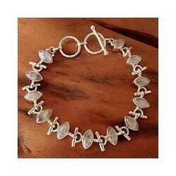 Handmade Sterling Silver 'Hope' Moonstone Bracelet (India)