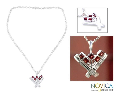 Handmade Sterling Silver 'Indian Tulips' Garnet Necklace (India)