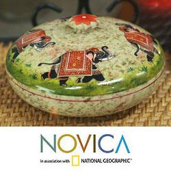 Handcrafted Soapstone 'Royal Fortune' Large Bowl (India)
