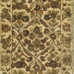 Safavieh Handmade Treasured Gold Wool Rug (2'3 x 12') - Thumbnail 2