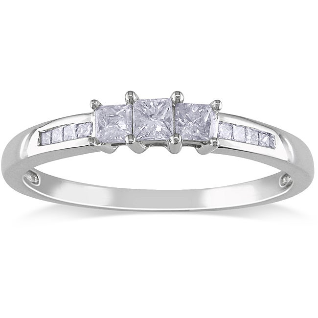 14k White Gold 1/4ct TDW 3-Stone Princess Cut Diamond Ring