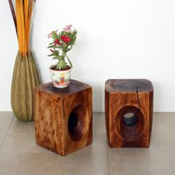 Hand-carved 'Monkey Pod' Mocha Oiled Tapered Peephole Stand (Set of 2) (Thailand)
