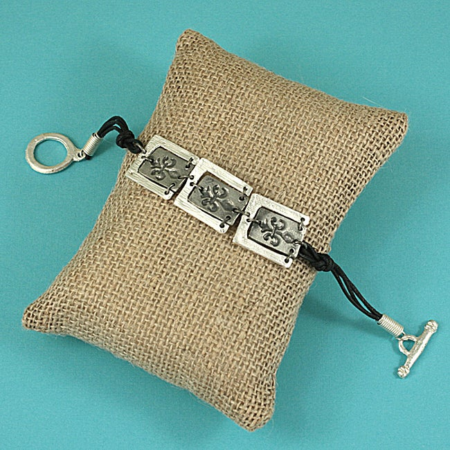 Handcrafted Antiqued Pewter 'Fleur-De-Lis' Cord Toggle Bracelet (India)