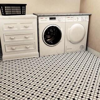 SomerTile 11.5x11.5-inch Cambridge Matte White with Black Dot Porcelain Floor and Wall Tile (10 tiles/9.38 sqft.)