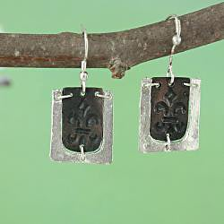 Handcrafted Two-Tone Pewter 'Fancy Fleur De Lis' Necklace & Earrings Set (India)