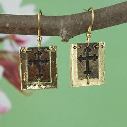 Handcrafted Gold Tone Pewter 'CutOut Cross' Dogtag Necklace & Earrings Set (India) - Thumbnail 2