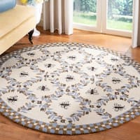 Safavieh Hand-hooked Bees Ivory/ Blue Wool Rug - 4' x 4' Round