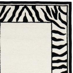 Safavieh Hand-hooked Zebra Border White/ Black Wool Rug (2'6 x 6') - Thumbnail 1