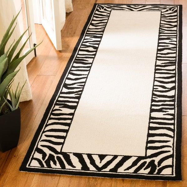 "Safavieh Hand-hooked Zebra Border White/ Black Wool Rug - 2'6"" x 6'"