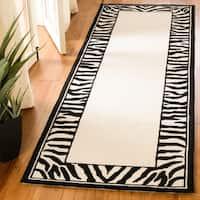 "Safavieh Hand-hooked Zebra Border White/ Black Wool Rug - 2'6"" x 8'"