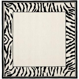 Safavieh Hand-hooked Chelsea Coraima Country Oriental Wool Rug (6 x 6 Square - White/Black)