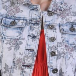 Journee Collection Juniors Floral Print Cropped Denim Jacket
