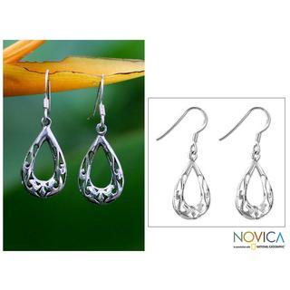 Handmade Sterling Silver 'Rainforest Tear' Earrings (Thailand)