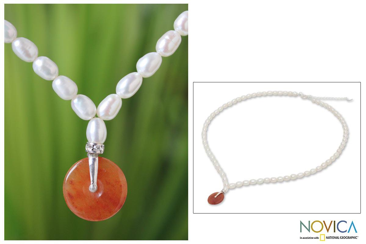 Sterling Silver 'Sunrise' Jade and Pearl Necklace (5 mm) (Thailand)