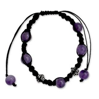 Handmade Sterling Silver 'Violet Peace' Amethyst Macrame Bracelet (India)