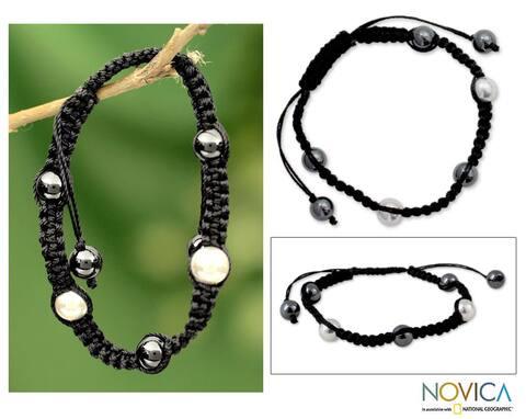 Handmade Sterling Silver 'Mumbai Night' Hematite Macrame Bracelet (India)