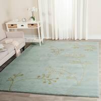 Safavieh Handmade Soho Vine Light Blue New Zealand Wool Rug (9'6 x 13'6) - 9'6 x 13'6