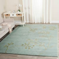 "Safavieh Handmade Soho Vine Light Blue New Zealand Wool Rug - 7'6"" x 9'6"""