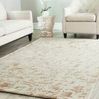 Safavieh Handmade Soho Ivory New Zealand Wool Rug - 6' x 9'