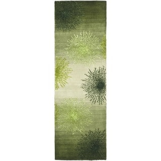 Safavieh Handmade Soho Burst Green New Zealand Wool Runner (2'6 x 10')|https://ak1.ostkcdn.com/images/products/6713049/P14263126.jpg?impolicy=medium