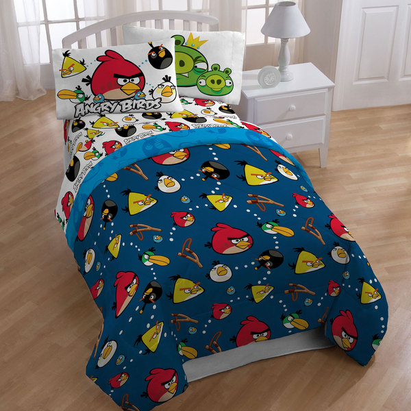 Angry Birds 'Stop the Madness' Twin-size 4-piece Bed in a Bag with Sheet Set