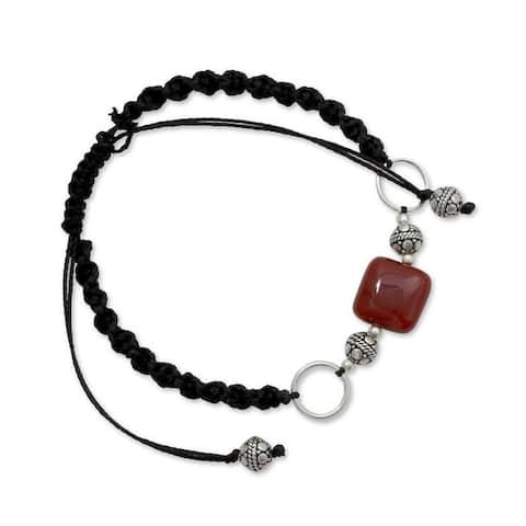 Handmade Sterling Silver 'Pure Happiness' Onyx Macrame Bracelet (India)