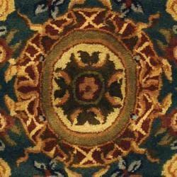Safavieh Handmade Classic Empire Light Blue/ Ivory Wool Rug (2'3 x 4') - Thumbnail 2