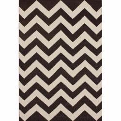 nuLOOM Handmade Flatweave Chevron Brown Wool Rug (7'6 x 9'6)