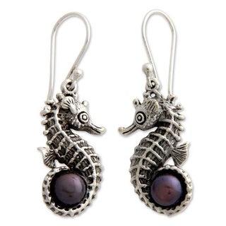 Handmade Sterling Silver 'Sea Horse Legend' Pearl Earrings (6.5 mm) (Indonesia)