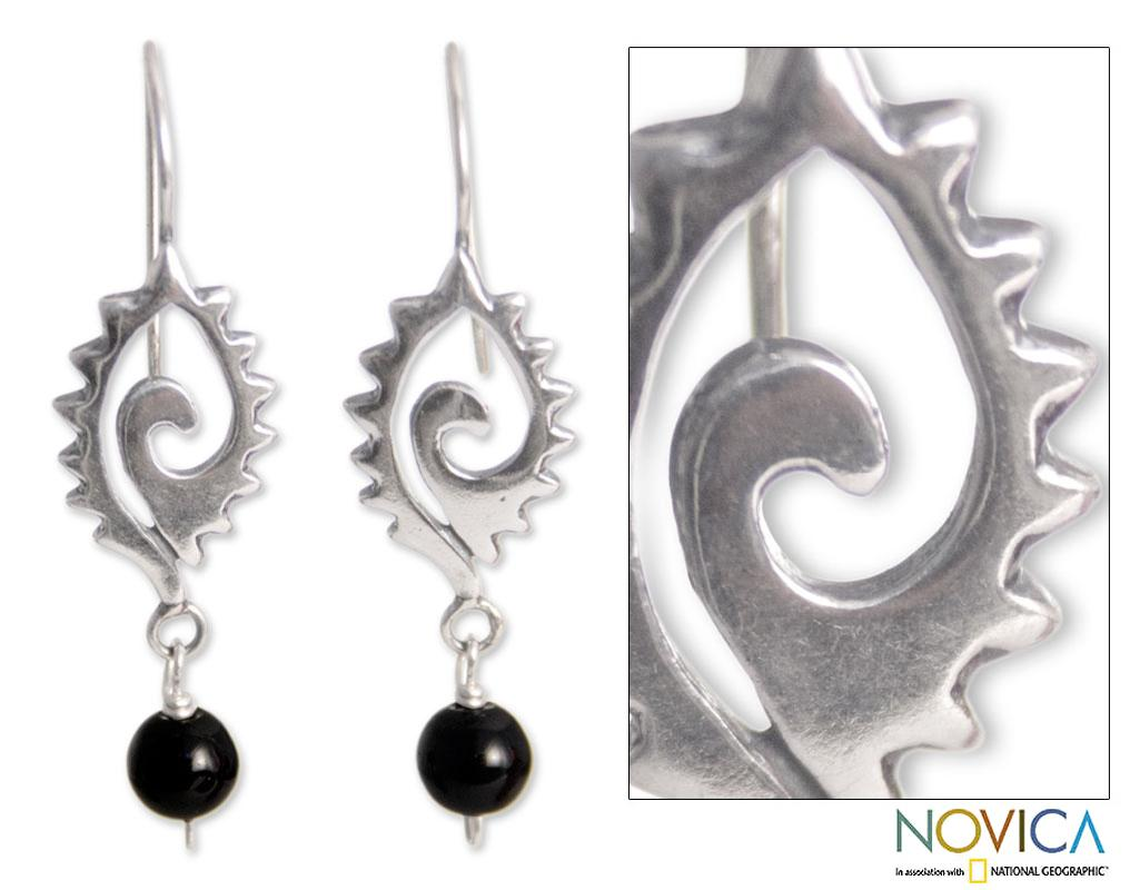 Sterling Silver 'Conch Protection' Onyx Dangle Earrings (Mexico)