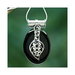 Sterling Silver 'Goddess of the Night' Onyx Necklace (India)