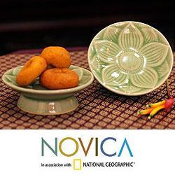 Handmade Set of 2 Celadon Ceramic 'Jade Lotus' Canape Plates (Thailand)