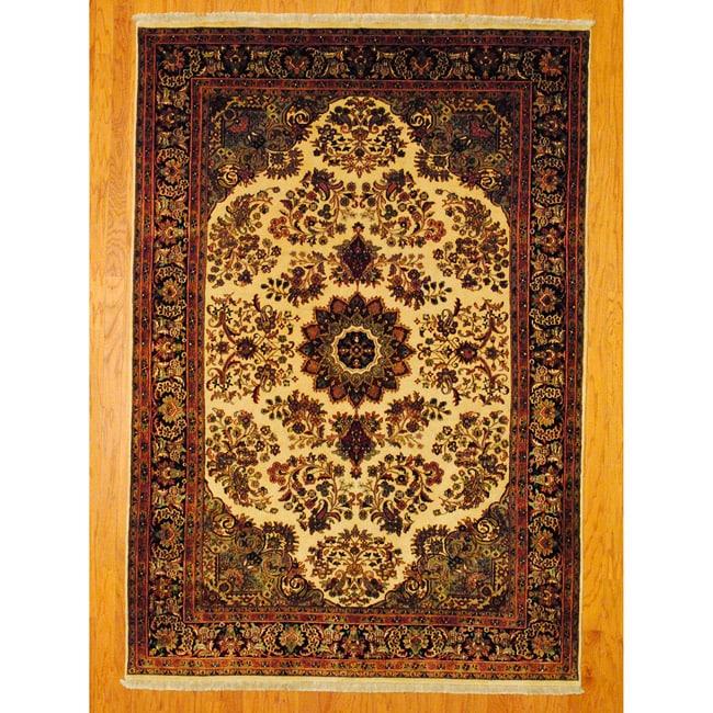 Herat Oriental Indo Hand-knotted Sarouk Wool Rug (6'4 x 9')