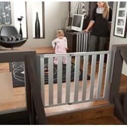Munchkin Numi Aluminum Child Safety Gate Free Shipping