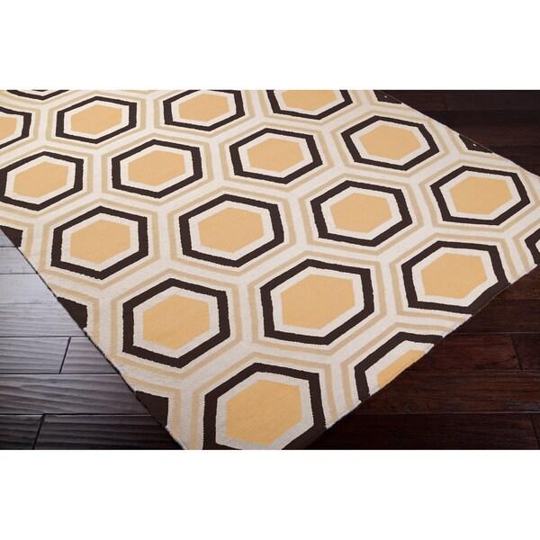 Hand-woven White Faller Wool Rug (5' x 8')