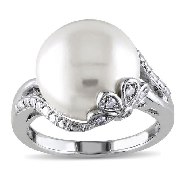 Miadora Sterling Silver Pearl and Diamond Accent Ring (H-I, I3)