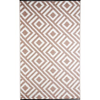 b.b.begonia Malibu Reversible Design Beige and White Outdoor Area Rug - 6' x 9'