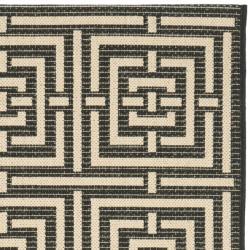 Safavieh Poolside Black/ Bone Indoor/ Outdoor Rug (2'4 x 9'11)
