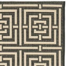 Safavieh Poolside Black/ Bone Indoor/ Outdoor Rug (2' x 3'7)