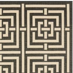Safavieh Poolside Black/ Bone Indoor/ Outdoor Rug (6'7 Square) - Thumbnail 1