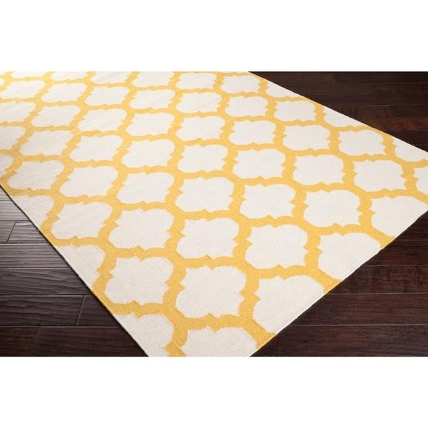 Hand-woven Yellow Caroni Wool Area Rug - 2'6 x 8'