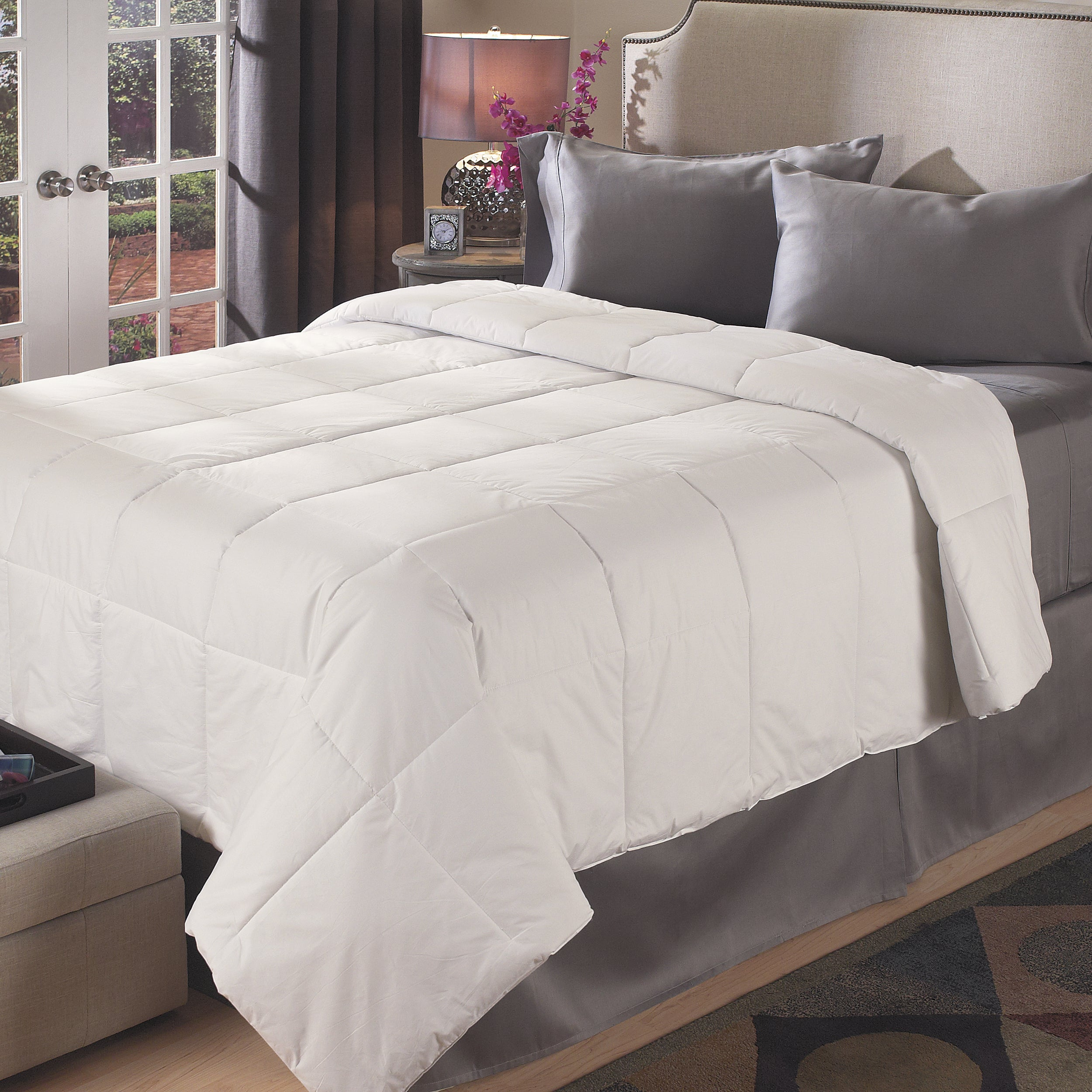 Luxury Sized Medium-weight All Season Down Alternative Comforter - Thumbnail 0