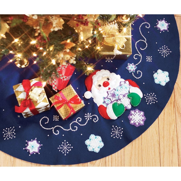 """Santa's Snowflake Collection Tree Skirt Felt Applique Kit-43"""" Round"""