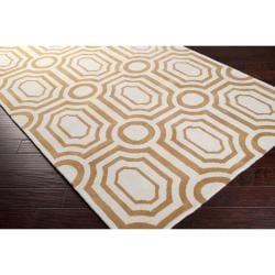 Hand-tufted Gold Hudson Park Polyester Rug (5' x 7'6) - Thumbnail 1