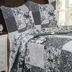 Midnight Echo 3-piece Quilt Set