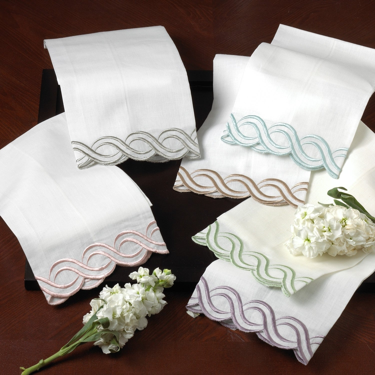 Saro Embroidered-trim Hand and Bar Towels (Set of 4) (Lil...