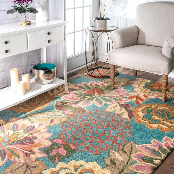 nuLOOM Handmade Bold Floral Wool Rug - 7'6 x 9'6