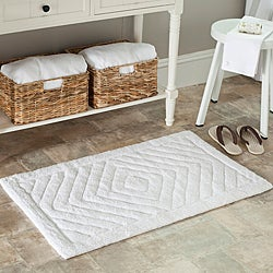 Safavieh Spa 2400 Gram Diamonds White 27 x 45 Bath Rug (Set of 2)