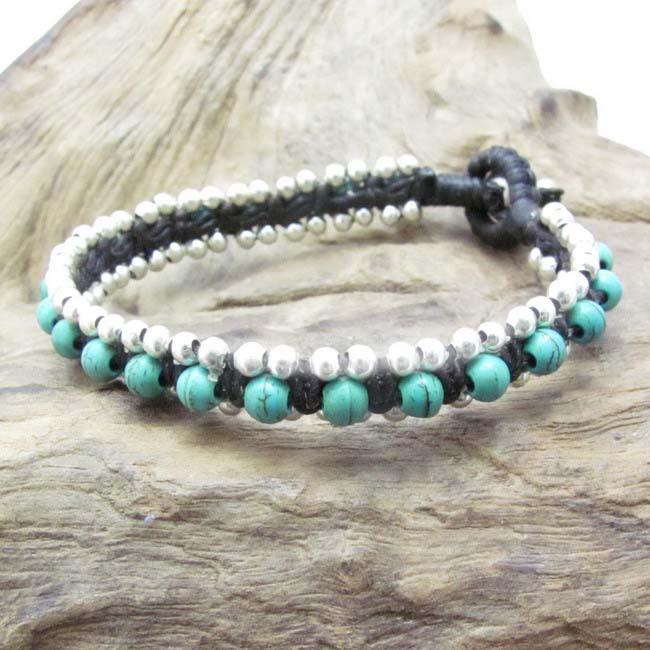 Handmade Tribal Love Turquoise Single Strand Toggle Bracelet (Thailand)