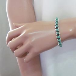 Handmade Tribal Love Turquoise Single Strand Toggle Bracelet (Thailand) - Thumbnail 2